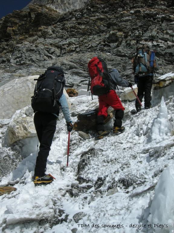 Passage avant de prendre pied sur le glacier