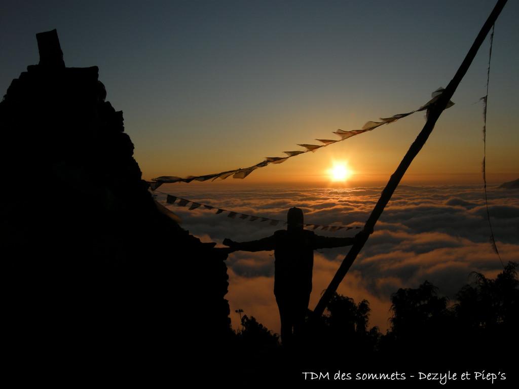 Coucher de soleil depuis Tharepati