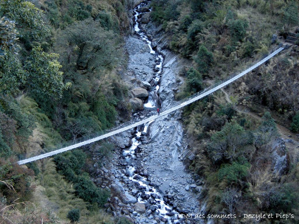 Pont suspendu avant Thulo Syabru