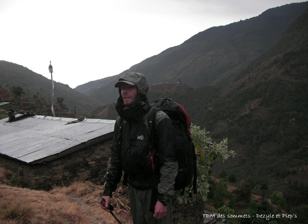 Sous la pluie avant Thimbu