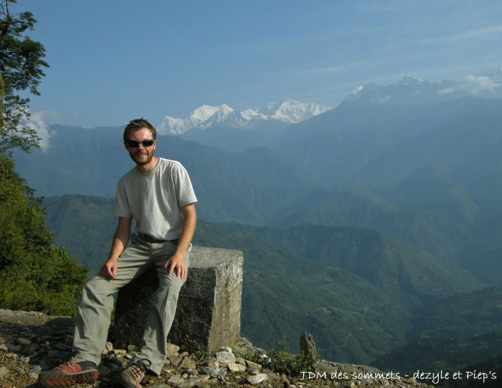 Au fond la chaine du Kanchendzonga, Pelling