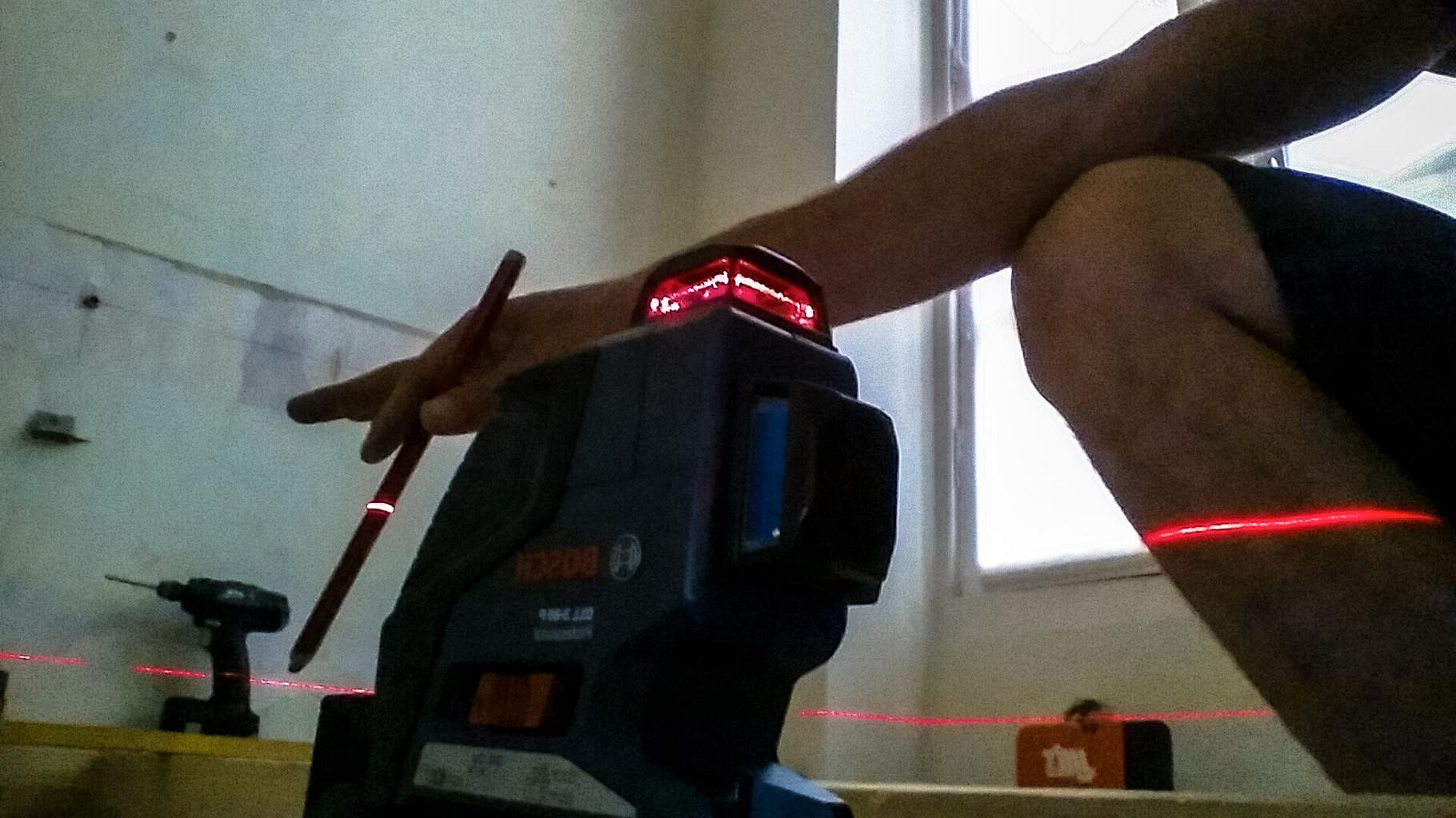 remise a niveau des sols a l'aide d'un laser rotatif