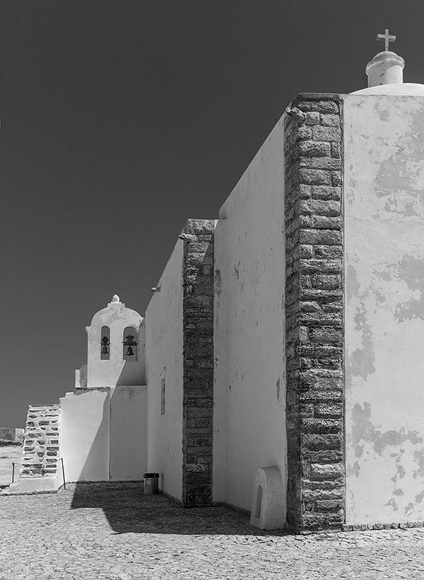 Die Kapelle Santa Caterina im Fortaleza de Beliche von Sagres. Leica M9 mit 35er Biogon ZM. Foto: Klaus Schoerner