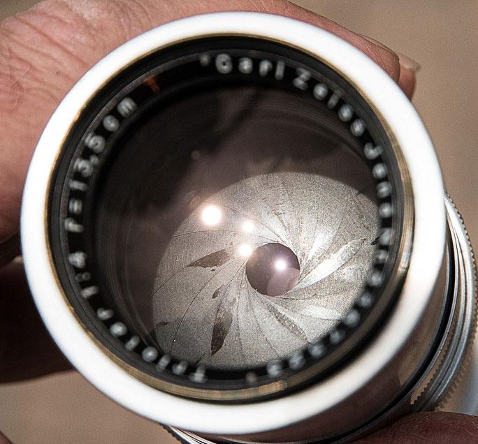 Irisblende mit 15 Lamellen, Triotar 4/13,5 cm für Exakta. Foto: bonnescape.de