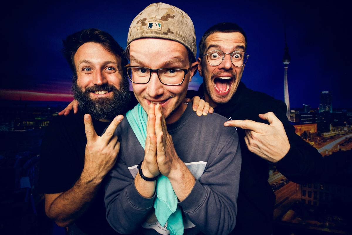 "Umringt vom Fotograf Paul Ripke & Moderator Joko Winterscheidt | ""Alle Wege führen nach Ruhm"" - Live Podcast Tour, Berlin, 2019"