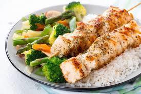 Carne magra con arroz o verduras, perfecto si entrenas en 2 o 3 horas