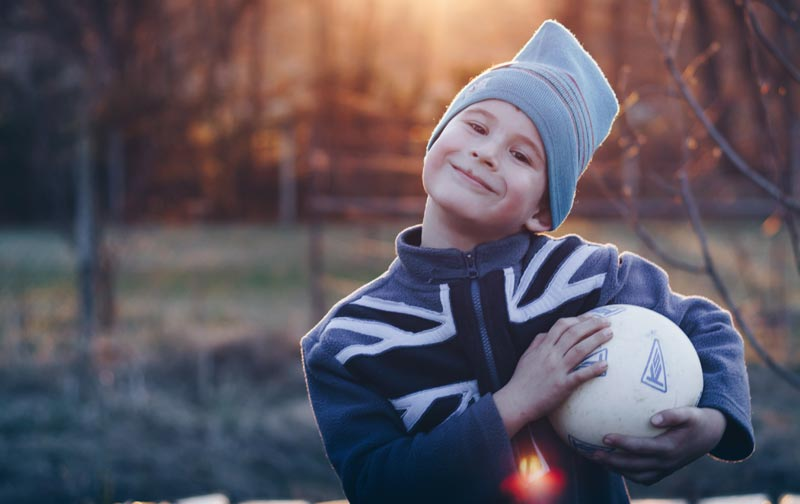 entrenamiento para niños con balón