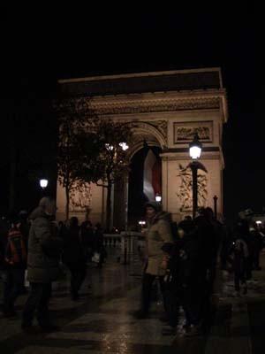 パリと言えば、これ見ないとね。続きを読むをクリック!