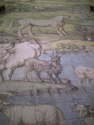 アダムとイブ。そして様々な動物たちが描かれています。