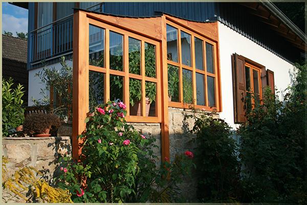 einfach geschützt die Sonne genießen    Windfang an einer Terrasse