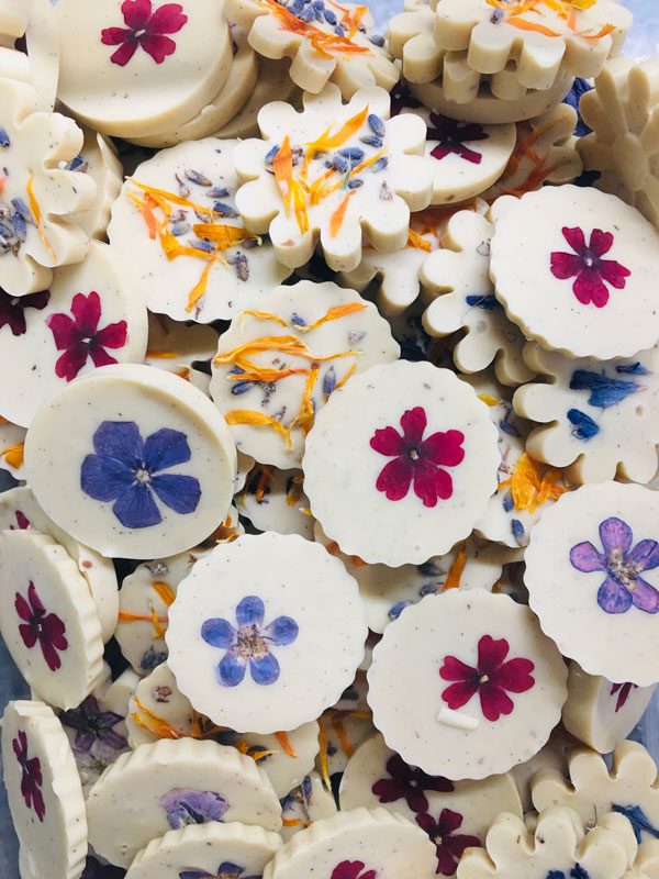 chocolat blanc et fleurs