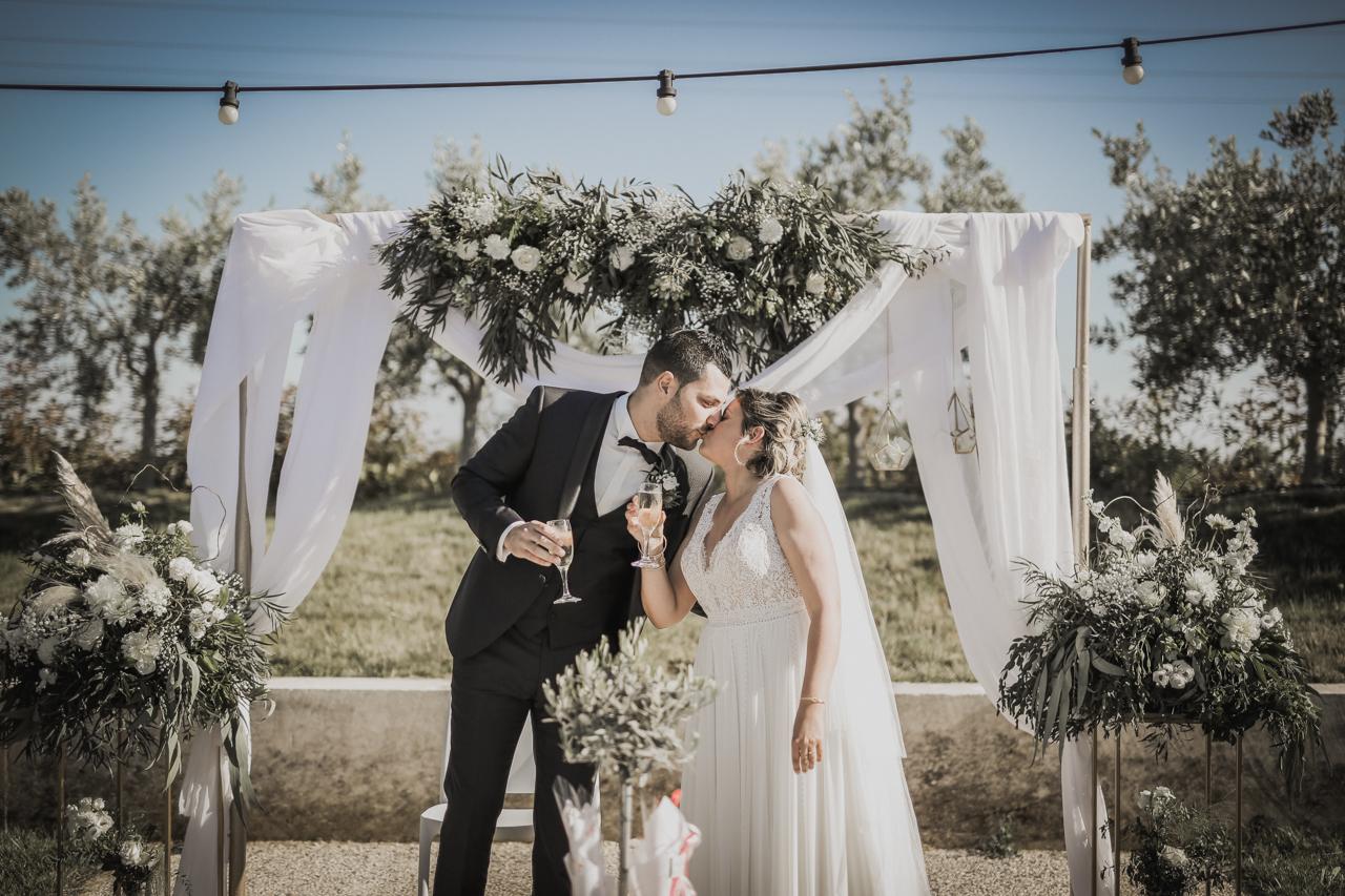 Mariage champetre chic entre vignes et petite camargue