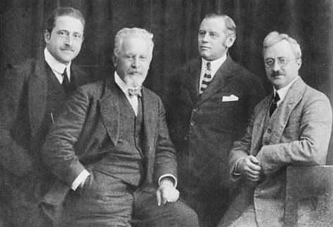 Rosé-Quartett ca. 1920. Paul Fischer, Arnold Rosé, Anton Ruzitska, Anton Walter.Foto: Bibliothèque nationale de France. Domaine public