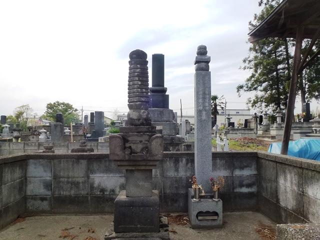 山本帯刀の墓(長興寺)