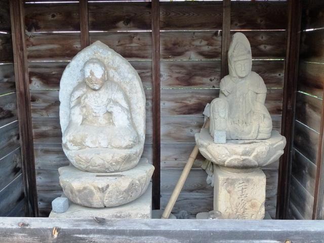 天引中宿の薬師様(甘楽町)