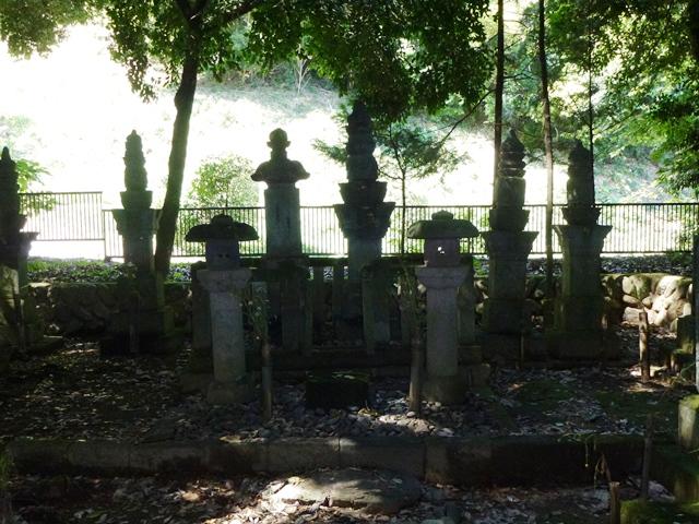 彦部家墓所(福厳寺)