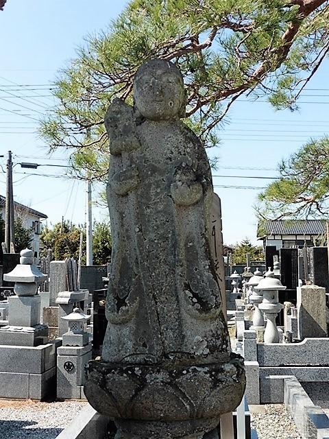 洞源寺の地蔵菩薩像
