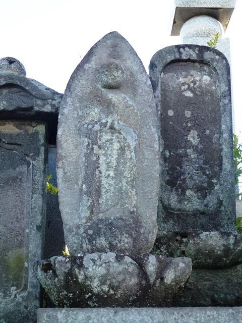 お染の墓(安楽寺)