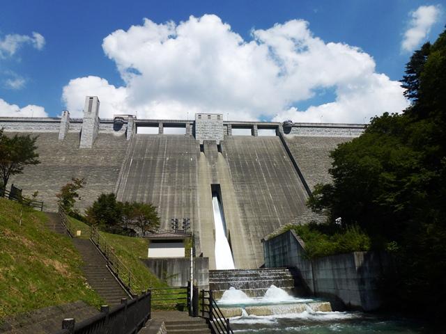 四万川ダム