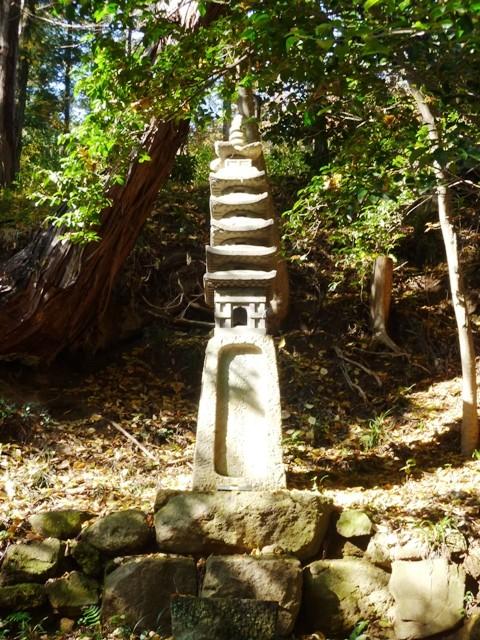 新田義貞の供養塔(金龍寺)