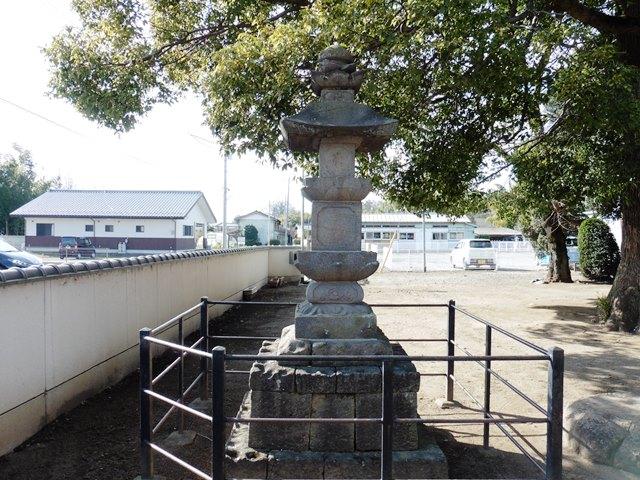 聖王寺の宝篋印塔