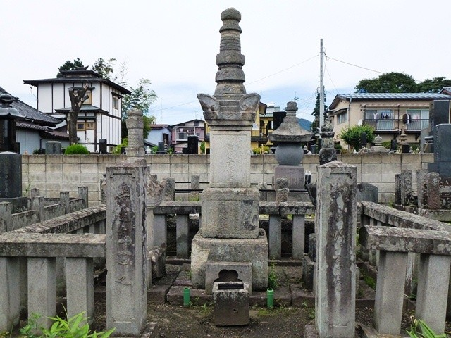 加藤清正の孫・藤枝正良の墓(妙光寺)