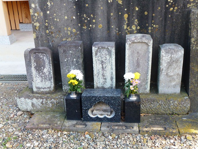 飯盛り女の墓(九品寺)