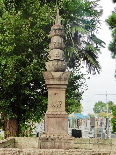 松平忠次の生母の墓(善長寺)