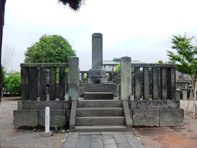 酒井忠道の墓(龍海院)