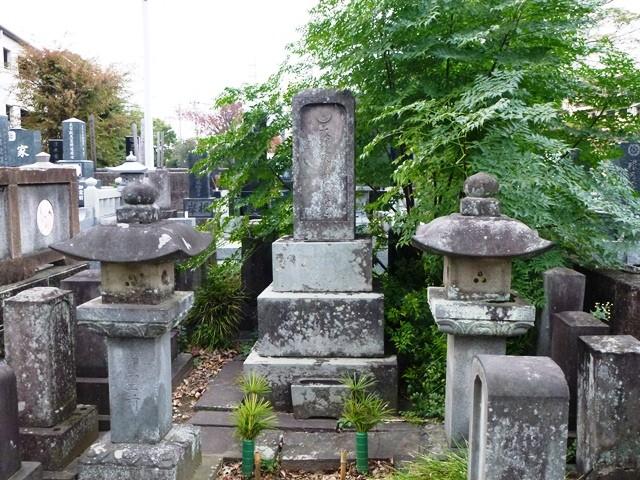 吉川栄左衛門の墓(観音寺)