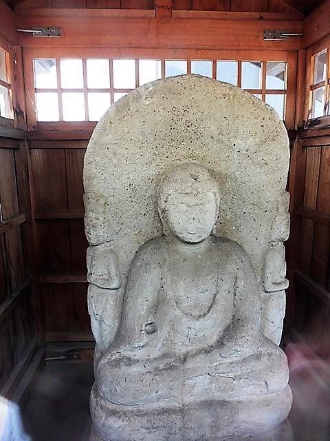岡屋敷の阿弥陀三尊像(伊勢崎市)