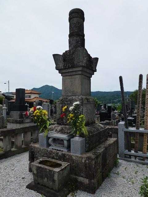 真田信之夫人・小松姫の墓(正覚寺)