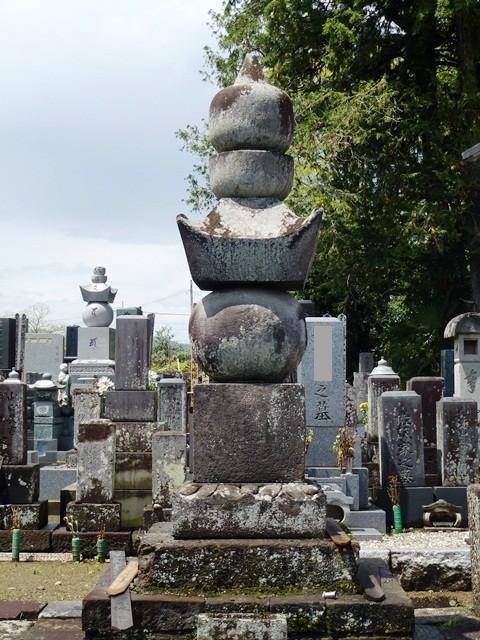 井伊直政の正室・唐梅院の墓(大泉寺)