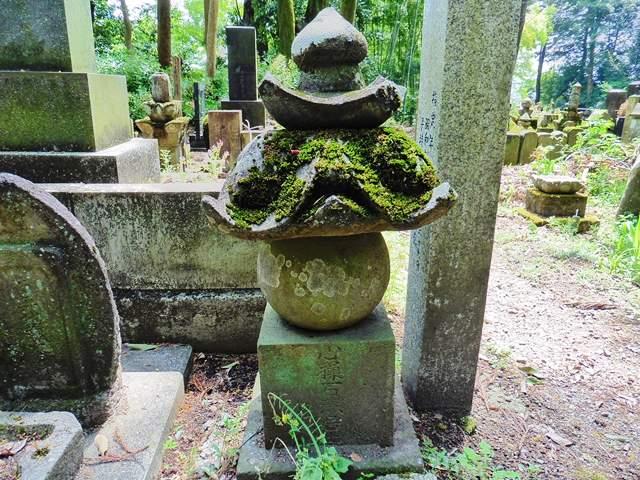 山崎石燕の墓(雙林寺)