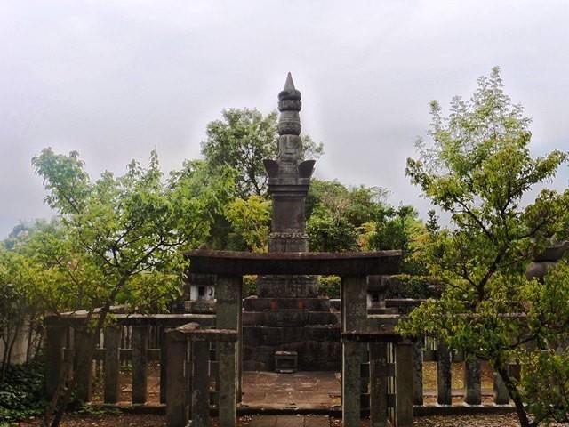 榊原康政の墓(善導寺)