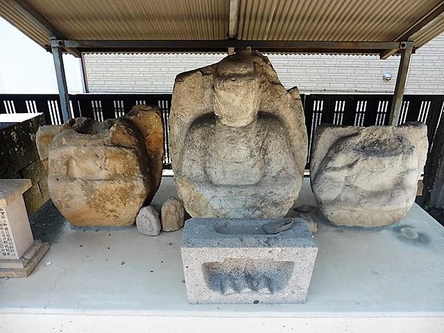 玄太寺・観音堂の阿弥陀三尊坐像