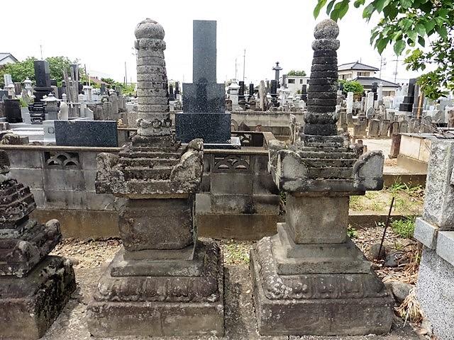 大聖寺の宝篋印塔