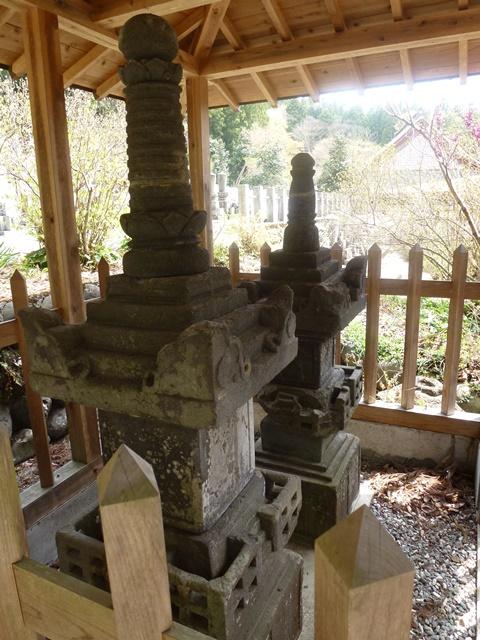 宗本寺の宝篋印塔