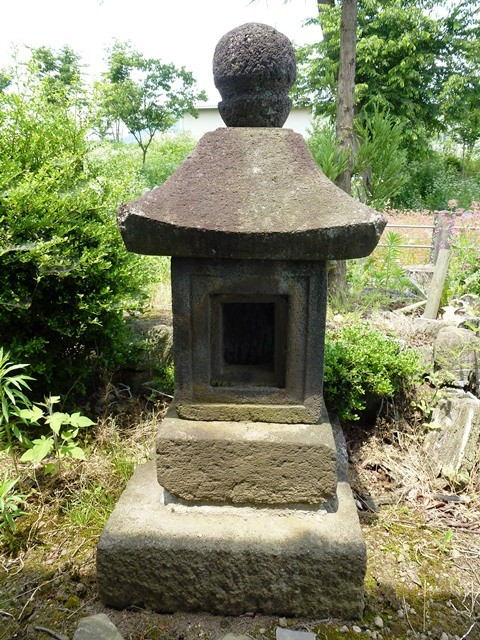 沼田景義の墓(沼田大明神)