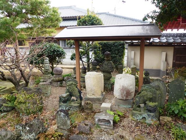 徳蔵寺の宝塔