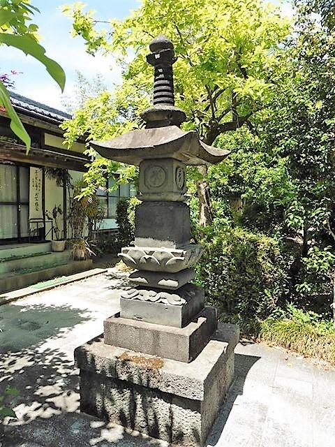 林西寺の宝塔