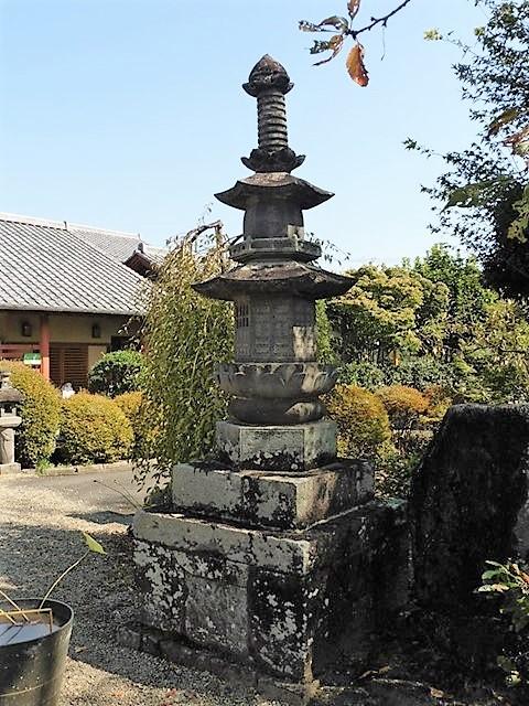 万福寺の宝塔