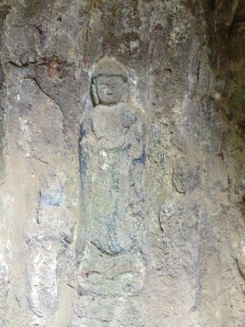 関の磨崖仏