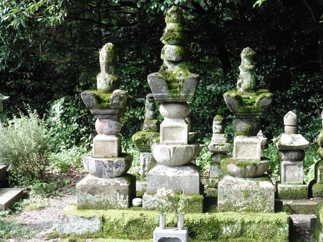 高田憲頼の墓(陽雲寺)