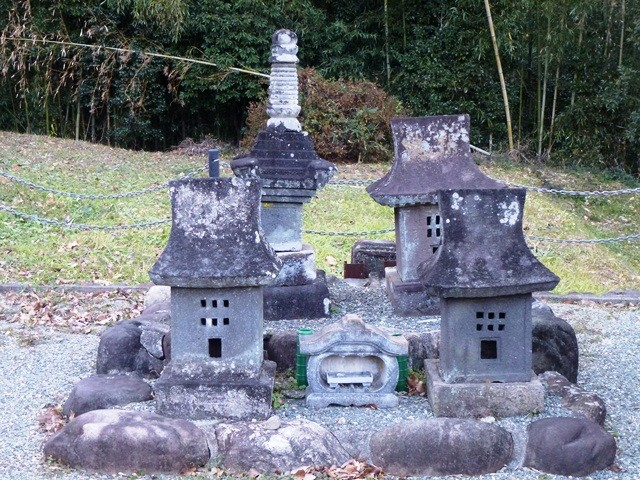 長井正實の墓(天陽寺)