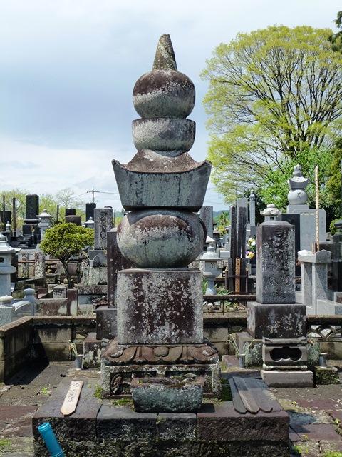 井伊直勝の側室・お岩の方の墓(大泉寺)