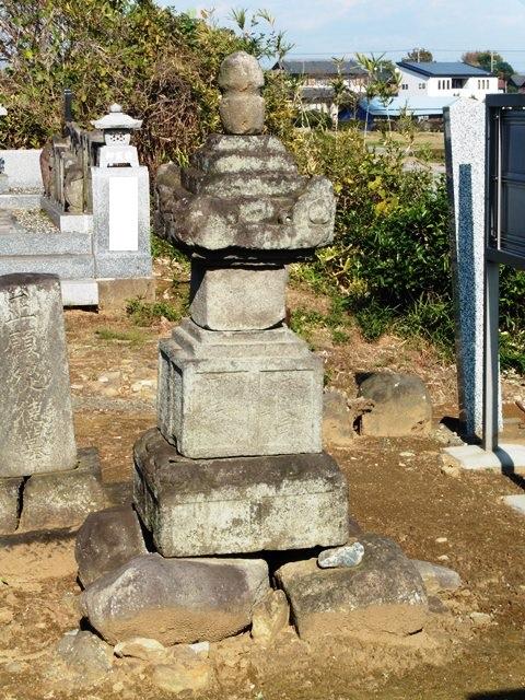 旧来迎寺跡の宝篋印塔