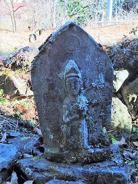木地師の墓2(泉龍寺)