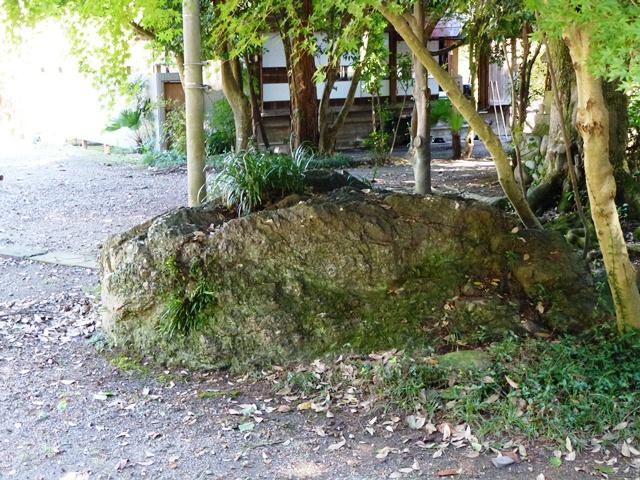 源義家の腰掛け石(桐生賀茂神社)