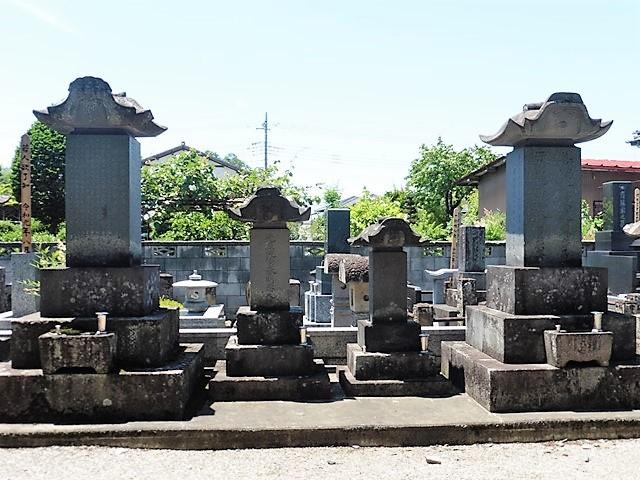 橳島家三代の墓(法林寺)